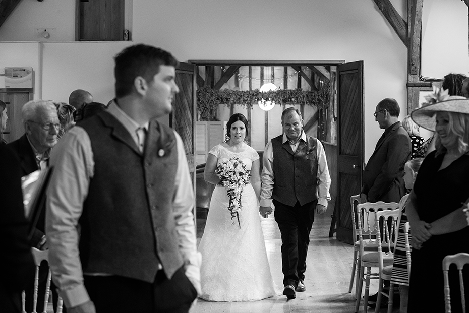 Wedding photographer Winters barn