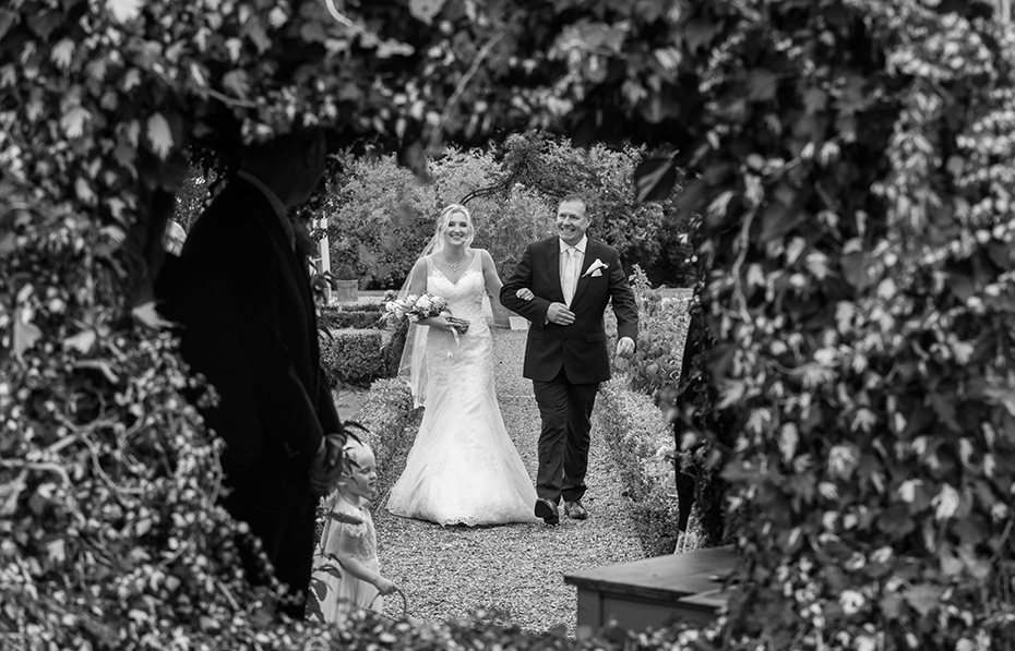 wedding photography The secret garden